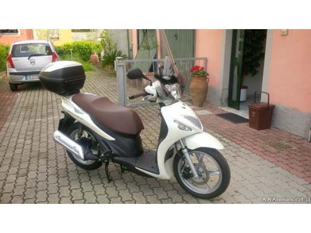 Scooter cc 150 - La Spezia