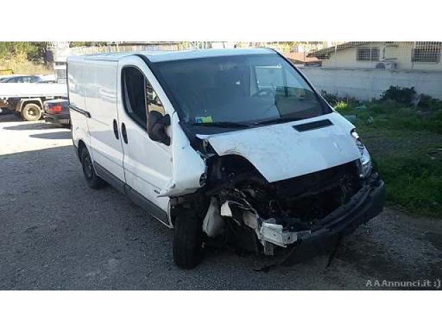 Renault Trafic 2.0 dci anno 2014 sinistrato