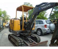 Mini escavatore volvo ec 25 anno 2006 25 quintali
