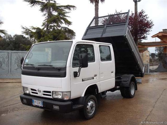 Nissan cabstar doppia cabbina ribaltabile