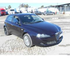 ALFA ROMEO 147 AUTOVETTURA 5 porte diesel del 2005