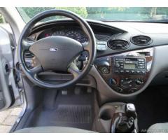 Ford focus-ghia 5 porte,