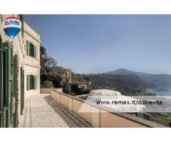 Castel Gandolfo -  Villa 9 locali € 1.950.000 T902