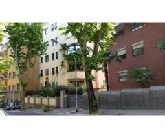 Rif: Roma - GIANICOLO - VIA NICOLA FABRIZI a due passi da TRASTEVERE immerso nel verde, in palazzina