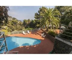 Rif: 21711052-284 - Bergeggi ( SV) – Splendida villa indipendente e davanti a noi il mare aperto e l