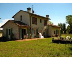 Rustico/Corte in vendita a TORRE DEL LAGO-MARINA - Viareggio 200 mq
