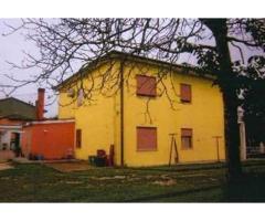 Vendita magazzino mq. 94 - Zona Altaura