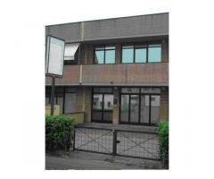 Capannone commerciale in vendita a Pontedera 300 mq  Rif: 350269