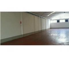 Montemurlo capannone artigianale di mq. 550 con altezza sotto volta di m 5, ufficio, bagno, buono st
