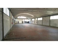 Montemurlo ( zona Bagnolo) capannone artigianale di mq. 700 con piazzale privato di mq. 500, altezza