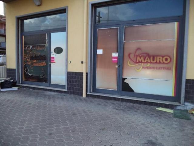 Affitto Magazzino in Via Carrata