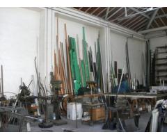 RIPOSTO - Ampio capannone al centro del paese