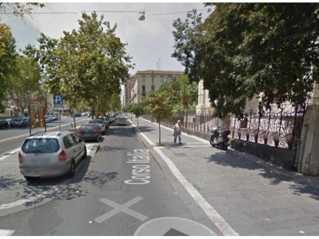 Vendita Magazzino in Corso Italia
