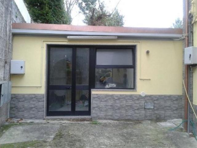 Affitto Magazzino in Via Buccigrossi