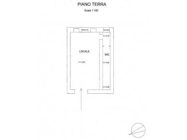 Centro città: Affitto Laboratorio in Vico Ascanio Persio