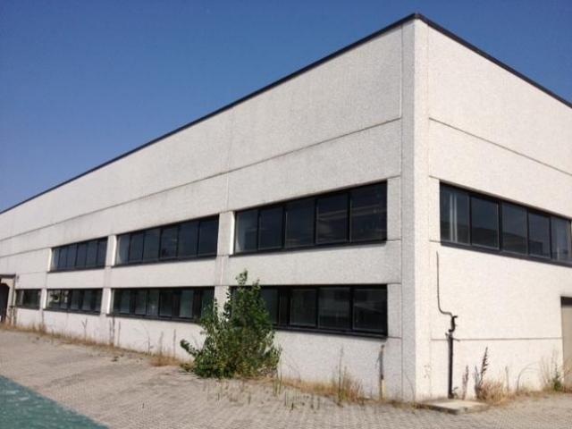Capannone / Fondo in vendita a Milano