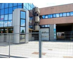 Centro: Affitto Capannone in Via Mario Idiomi