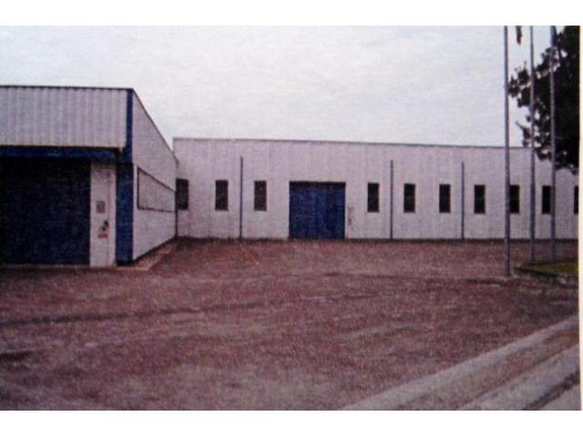 Capannone / Fondo in vendita a Novi di Modena