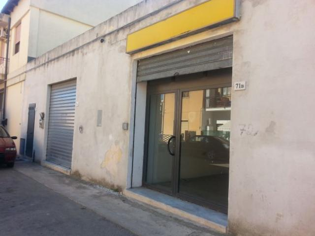 Affitto 2 magazzini, insieme o singolarmente uso deposito