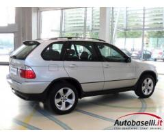 BMW X5 3.0 D STEPTRONIC Cambio automatico Fari xeno Cruise control Cerchi in lega 19 Radio cd Bracci
