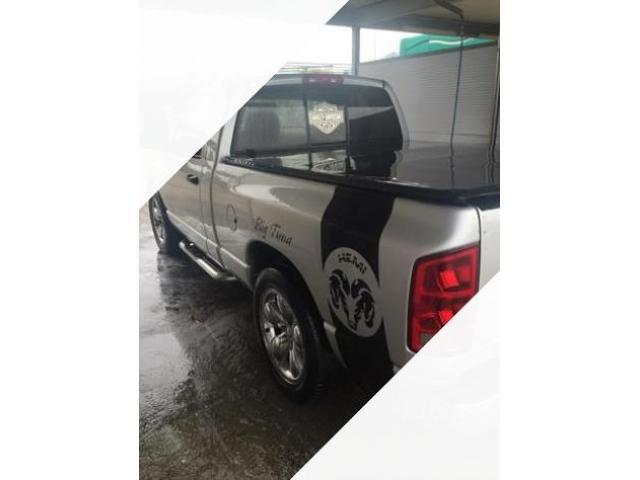 Dodge Ram 1500 hemi magnum