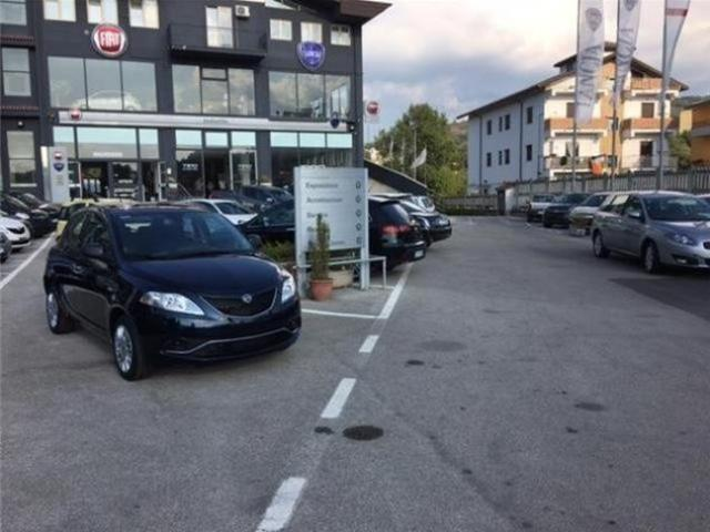 Lancia Ypsilon 1.3 MJT 95 CV 5p. S&S Silver