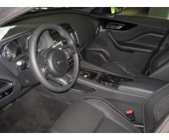 JAGUAR F-Pace 2.0d 180 CV AWD aut. R-Sport rif. 7090480