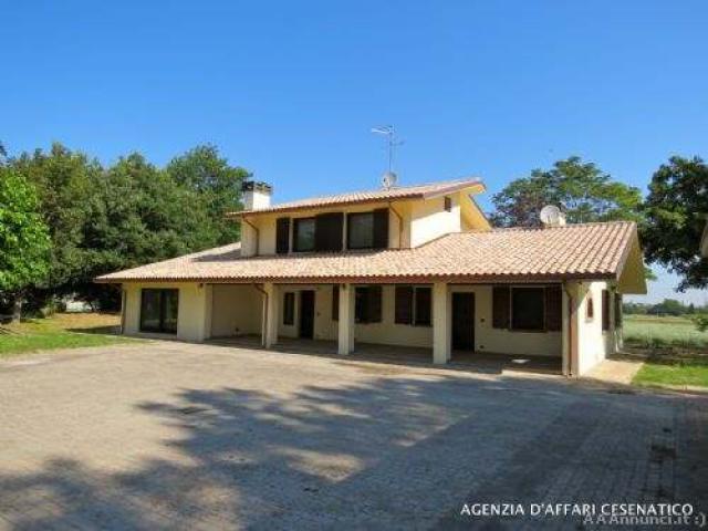 Villa a savignano sul rubicone casa auto for Casa artigiana piani 3 box auto