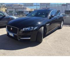 Jaguar XF 2.0d 180 CV R-Sport Automatico
