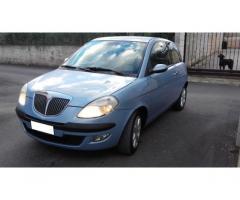 Lancia ypsilon 2004