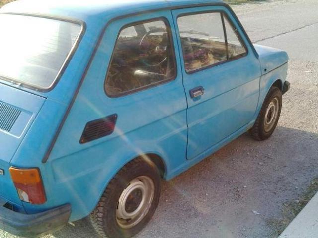 Fiat 126 color puffo anni 70 d' epoca marciante