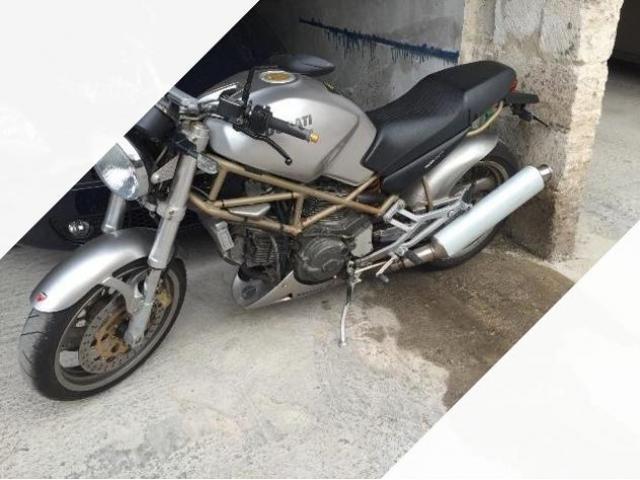Ducati Monster 750 - 1999