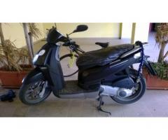 Vendo scooter Piaggio Carnaby 200 cc