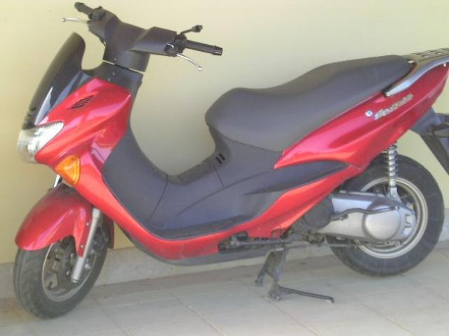 Motociclo Suzuki kw10.5 cilindrata 125 anno d'immatricolazione 2004 45
