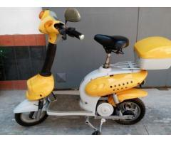 scooter elettrico vari colori e con batteria nuova e non assicurazione