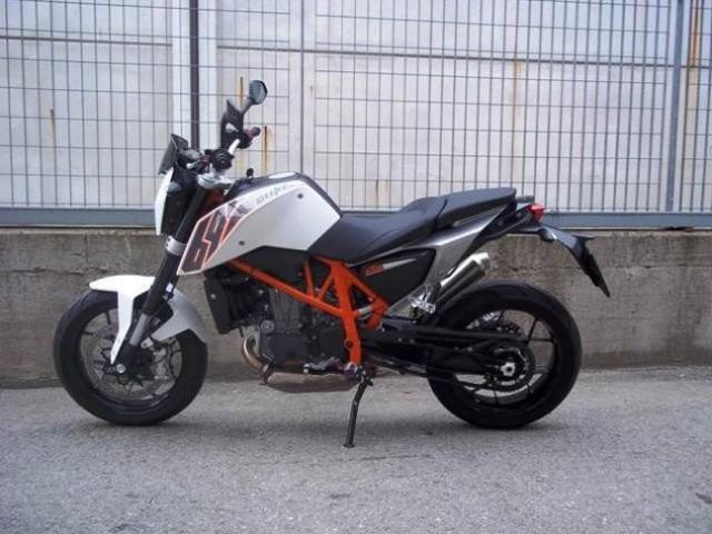 KTM Duke Naked cc 690