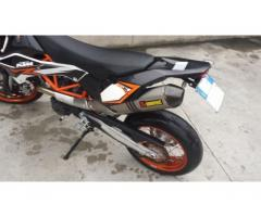 moto KTM 690 SMCR supermotard 2012