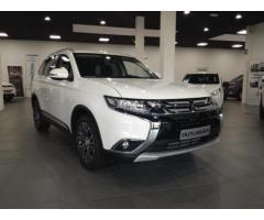 MITSUBISHI Outlander 2.2 DI-D 4WD Instyle Navy 7p. A/T m.y.16