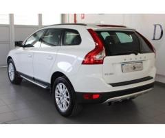 VOLVO XC60 2.4 D 175 CV FWD Geartronic Kinetic