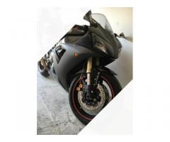 Yamaha r1 ergal e fibra di carbonio