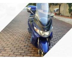 Moto scooter Suzuki no Honda piaggio