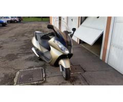 Vendesi scooter aprilia atlantic 200