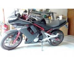 Kawasaki Er6   650 cc tenuta in modo maniacale