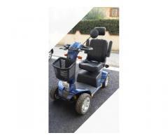 Scooter elettrico per disabili o persone anziane