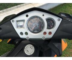 Vendo scooter 50 cc.