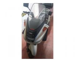 Moto majesty 250