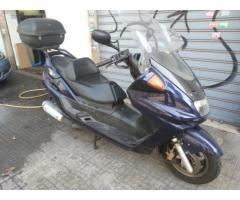 Vendo Yamaha Majesty 250 DX