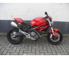 DUCATI Monster 696 NAKED