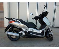 Yamaha X MAX 250 CC