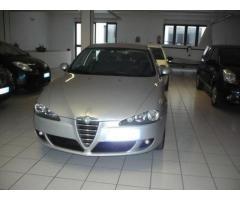 Alfa Romeo 147 1.9 JTD 5P. Distinctive